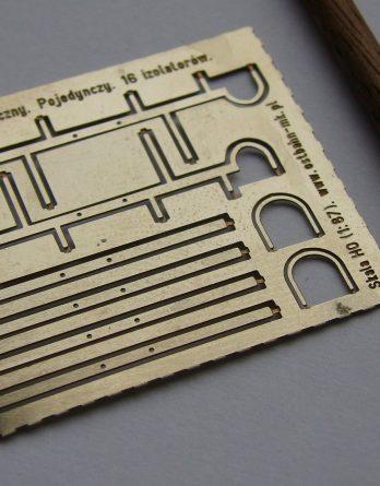 ah0-111-slup-telegraficzny-16-izolatorow